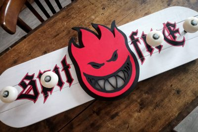 Porte-Manteau Skateboard Spitfire Wheels